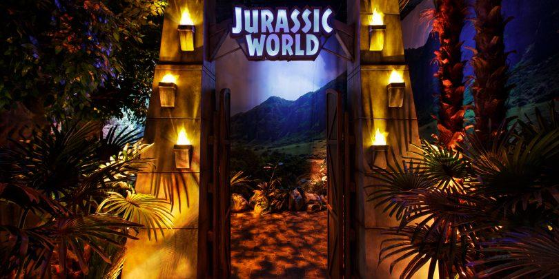 JurassicWorldTheExhibition_PuertasParque